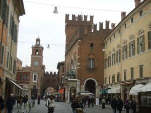 Piazza Ferrara